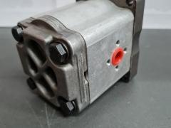 HYDRAULIC PUMP K307945